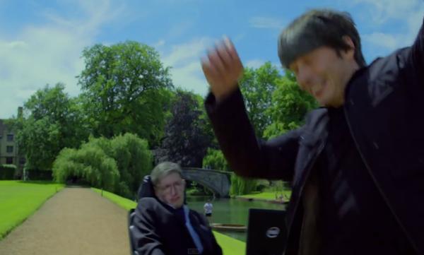 """Stephen Hawking śpiewa piosenkę z """"Sensu życia według Monty Pythona"""" – Crazy Nauka"""