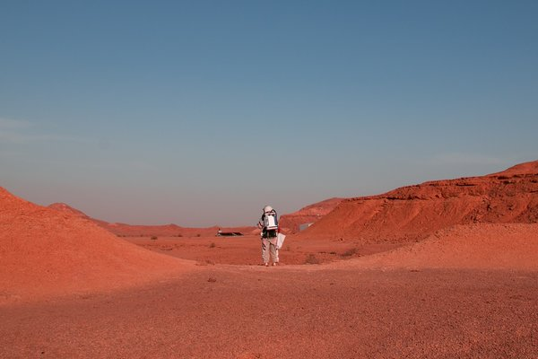 An Israeli D-MARS analog astronaut at Ramon crater