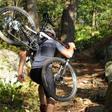 Met deze opvouwbare mountainbike spring je zo een vliegtuig uit