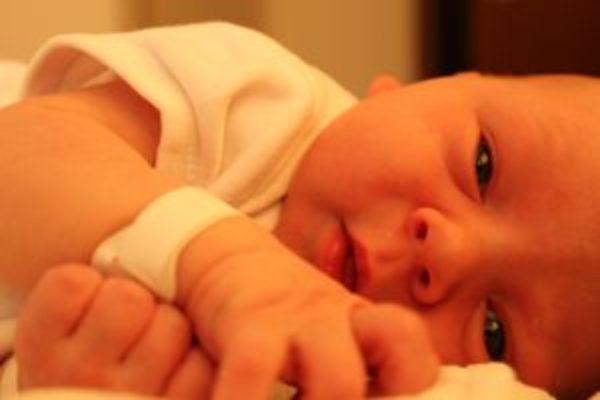Czy jakość opieki rodzicielskiej może zmienić genom malucha? | Mataja