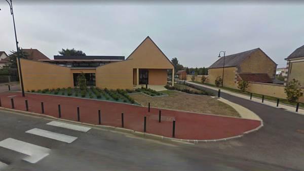 Het schooltje dat omgetoverd was tot studio (foto: Google Maps)
