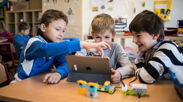Schule und Digitalisierung: Wie Schulen sich für die digitale Zukunft ändern müssen - Politik - Tagesspiegel