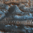Mars' Sandy Topography Is Like a Flowing River