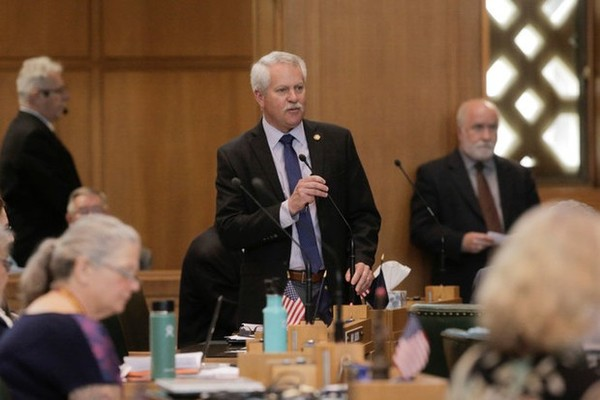 Oregon's largest business organization fires its CEO, former GOP legislator Mark Johnson