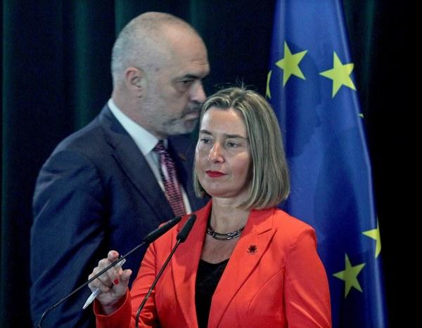 Buitenlandchef Mogherini en premier Rama van Albanië