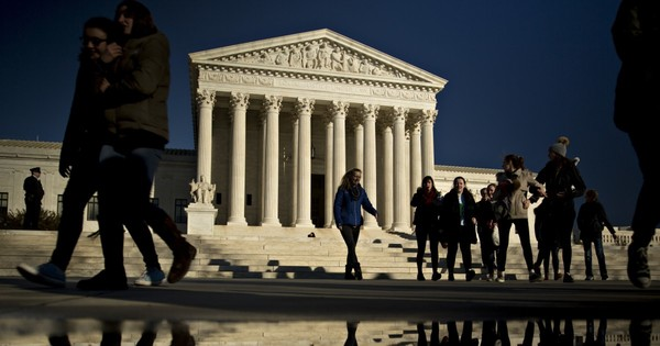 Sales taxes divide Supreme Court justices in Wayfair case