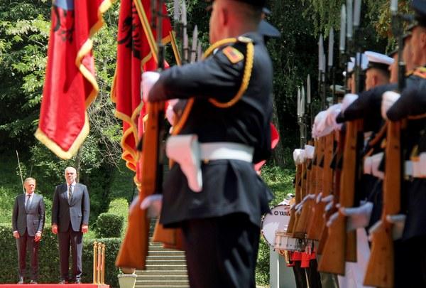 EU-voorzitter Tusk in Albanië
