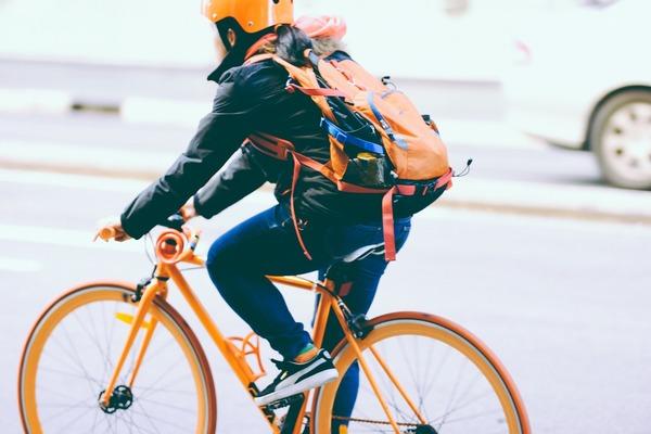 Ile zyskasz przesiadając się z samochodu na rower – twarde liczby z kalkulatora – Crazy Nauka