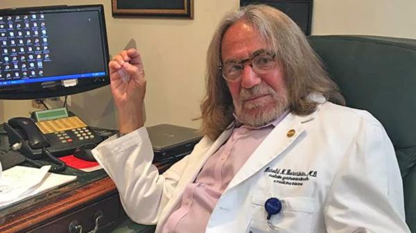 Dr. Bornstein was de arts van Donald Trump voordat hij het Witte Huis betrad (foto: Reuters)