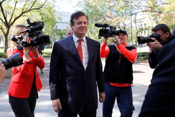 Trumps voormalige campagnevoorzitter Paul Manafort is aangeklaagd door Mueller (foto: Reuters)