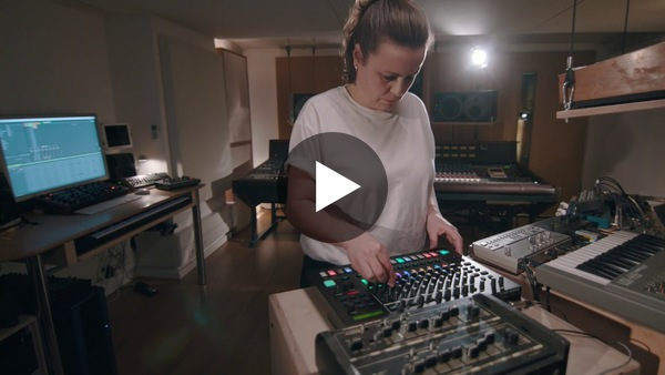 Roland TR-8S Berlin Sessions: Steffi - YouTube
