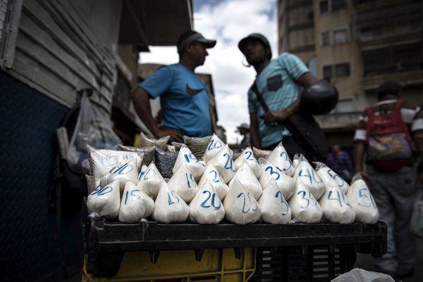 In Venezuela kostet ein Haarschnitt 5 Bananen und 2 Eier