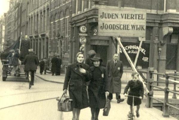 Joden in Amsterdam 1943 (bron: saak.nl)