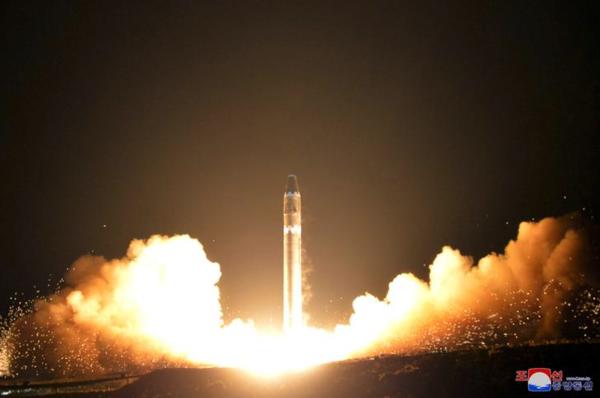 Noord-Korea testte in november 2017 een nieuwe intercontinentale raket (foto: Korean Central News Agency)
