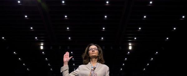 Gina Haspel tijdens haar verhoor door de inlichtingencommissie van de Senaat (foto: Reuters)