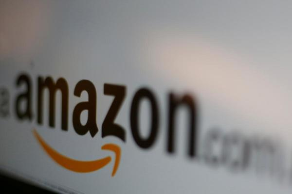 Amazon cuts Whole Foods prices for Prime members in new grocery showdown | Reuters