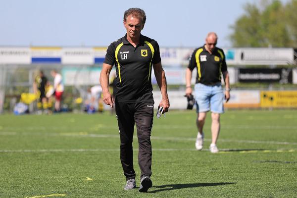 Groot-Ammers zet trainer Leon Hutten per direct op non-actief