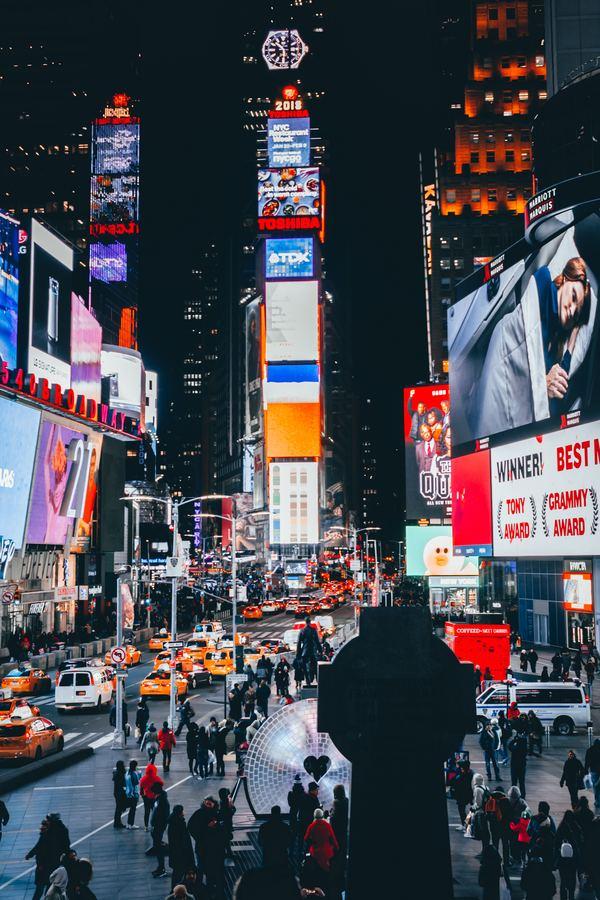 Times Square, NYC door Meriç Dağlı via Unsplash