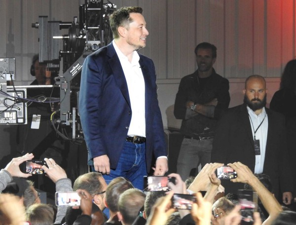 Pravda is Elon Musk's worst idea ever – Lance Ulanoff – Medium
