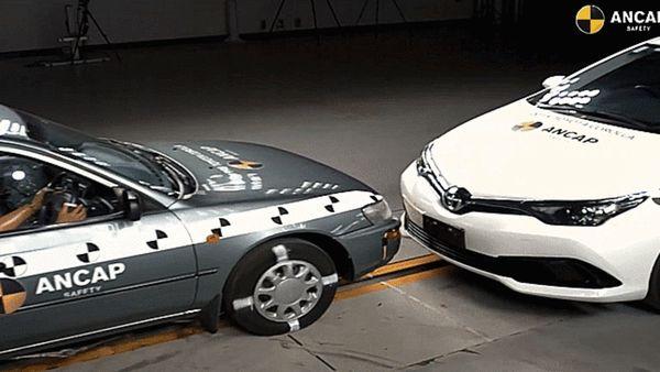 Dieser Crashtest zeigt, wie viel sicherer Autos in den letzten 20 Jahren geworden sind