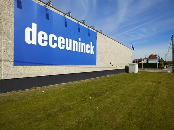 Deceuninck inaugure son immense parc de panneaux solaires - Deceuninck opent zonnepanelenpark met 2.780 panelen