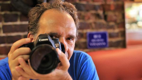 Sur Facebook, il filme et raconte le «Roubaix qui bouge» - Facebookreporter verhaalt over Roubaix in verandering