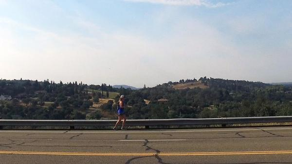 Female Runner Attempts New, Challenging Route Across California