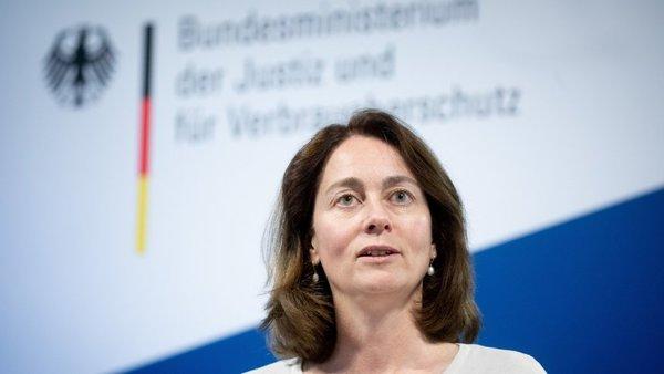 Leistungsschutzrecht für Presseverleger: Die Regierung verschleppt ihre Bilanz - SPIEGEL ONLINE