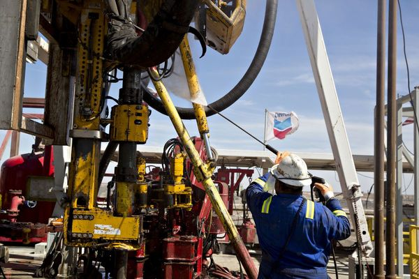 As Oil Prices Rises, Texas Is Dangling 100% Pay Hikes To Attract Workers For Local Economy