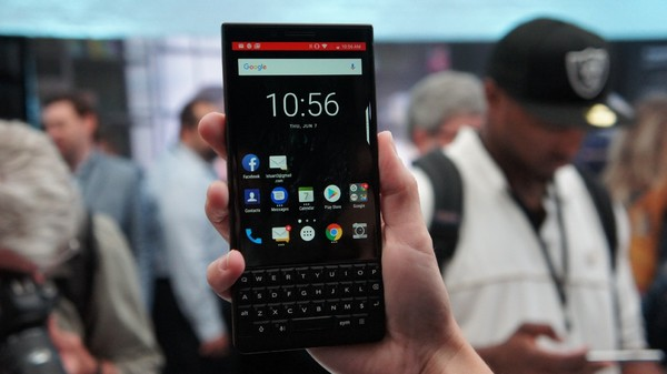 BlackBerry KEY2 reveals my keyboard amnesia – Lance Ulanoff – Medium