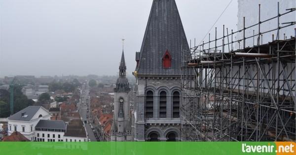 La cathédrale Notre-Dame bientôt débarrassée - Kathedraal Doornik straks uit de steigers