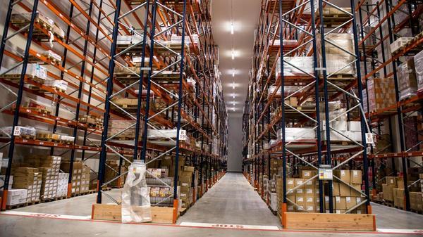 XPO Logistics inaugure sa «cathédrale du froid» - Grote koelruimte voor diepvriesdistributie