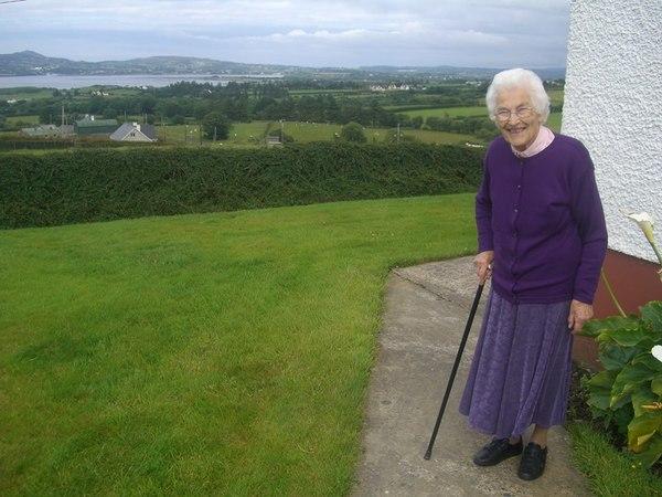 Sarah Bridget O'Donnell, de oma van mijn Ierse vrouw. Ze zou in 2016 op 102-jarige leeftijd overlijden. Haar vele kinderen, kleinkinderen en achterkleinkinderen wonen in Amerika, Ierland, het Verenigd Koninkrijk en Spanje (foto: AVDH)