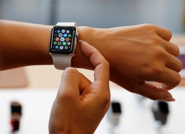 Apple Watch, FitBit could feel cost of U.S. tariffs   Reuters