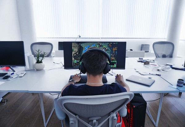 The Use of Blockchain Technology in Gaming Industry