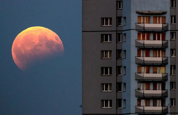 Wójcicki: 27 lipca dwa niezwykłe zjawiska astronomiczne