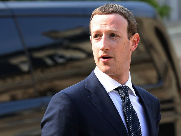 Facebook Uncovers New Fake Accounts Ahead of Midterm Elections