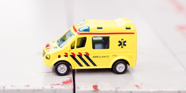 Twitter needs a community management ambulance. Credit: Zhen Hu on Unsplash
