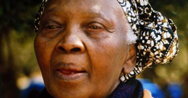 Robert Sobukwe's widow, Zondeni, dies