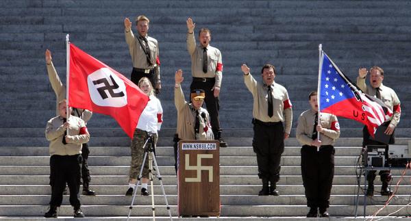 Wie man über Nazis und andere radikale Gruppen schreiben sollte