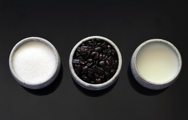 Dlaczego słodki smak maskuje gorzki? Na przykład w posłodzonej kawie – Crazy Nauka