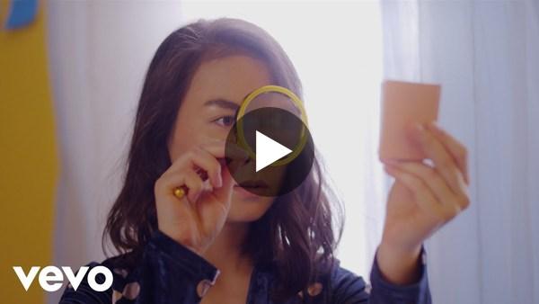 Mitski - Nobody (Official Video)