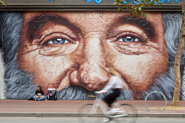 Artist paints Robin Williams mural for free on SF's Market Street - by j_rodriguez - August 28, 2018 - The San Francisco Examiner