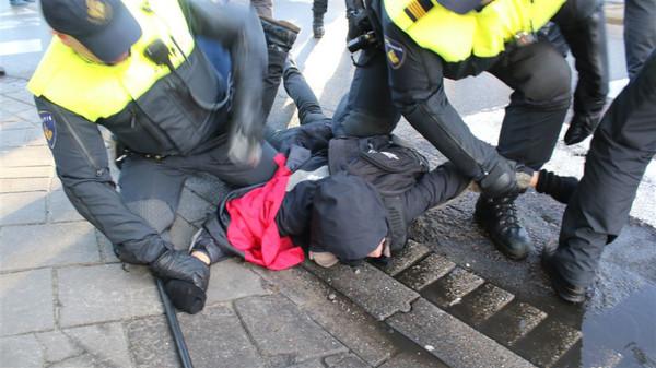 Hoe goed kun je politiegeweld controleren?