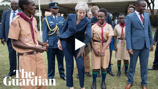#EPICFAIL Theresa May tries to do an African dance. 😂😂😂
