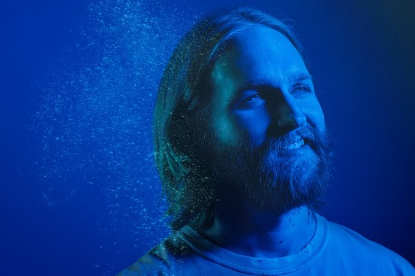 "Wyatt Russell ('Lodge 49'): ""Necesitamos más series optimistas"""