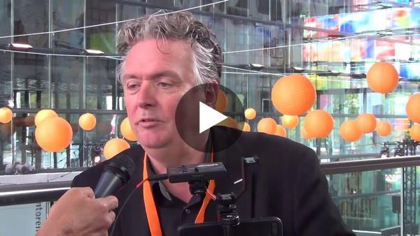 """Rob Freijssen (MOJO Trainer): """"Iedereen kan filmen, maar niet iedereen kan een verhaal vertellen."""" - YouTube"""