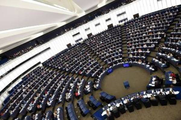 Artikel 13 aangenomen door Europees Parlement