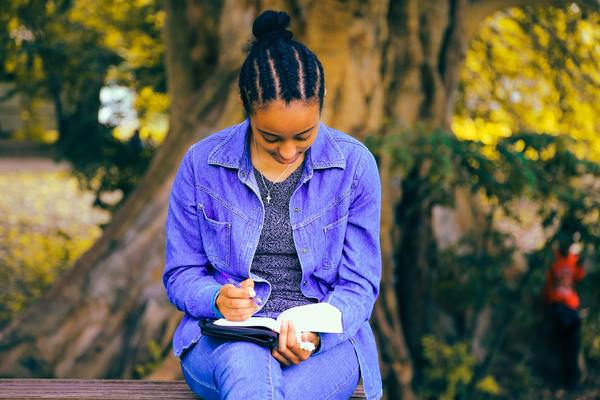6 of the Best LA Poets You Should Be Reading Right Now