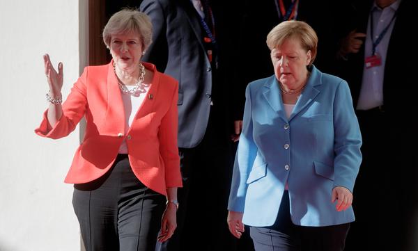 May en Merkel in Salzburg
